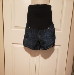 Set of two maternity shorts